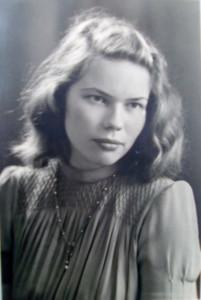 Ruth Hennecke achtzehnjährig